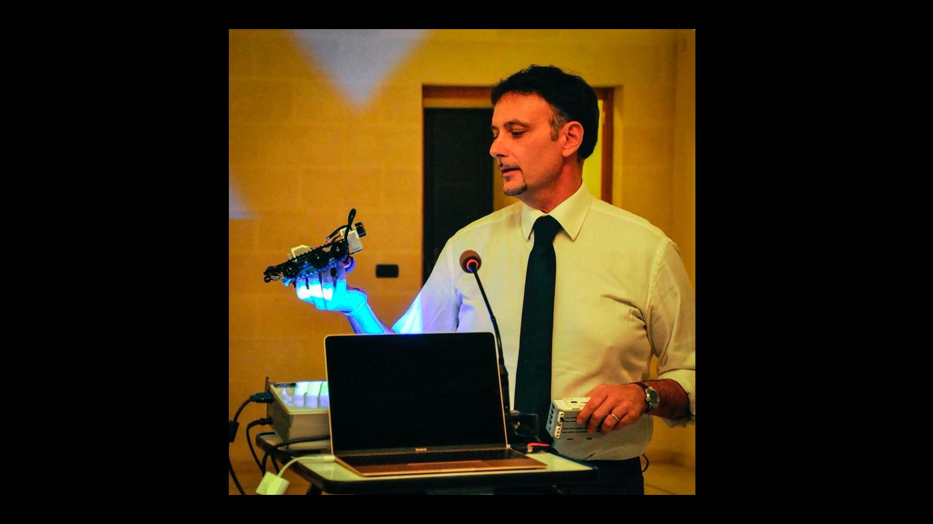 Domenico Aprile - Peer learning, videogame e risorse educative aperte: i progetti della DaD