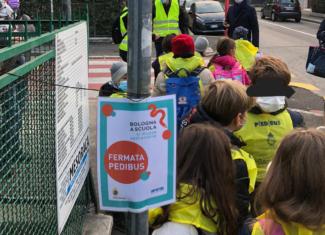 A scuola con il Pedibus e in totale sicurezza: a Bologna si può